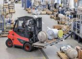 I největší vozíky Linde mohou být nově vybaveny Li-Ion bateriemi
