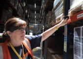 DHL Supply Chain zavádí do praxe vision picking